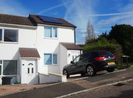 TO LET - Modern 2-bedroom house with parking and garden